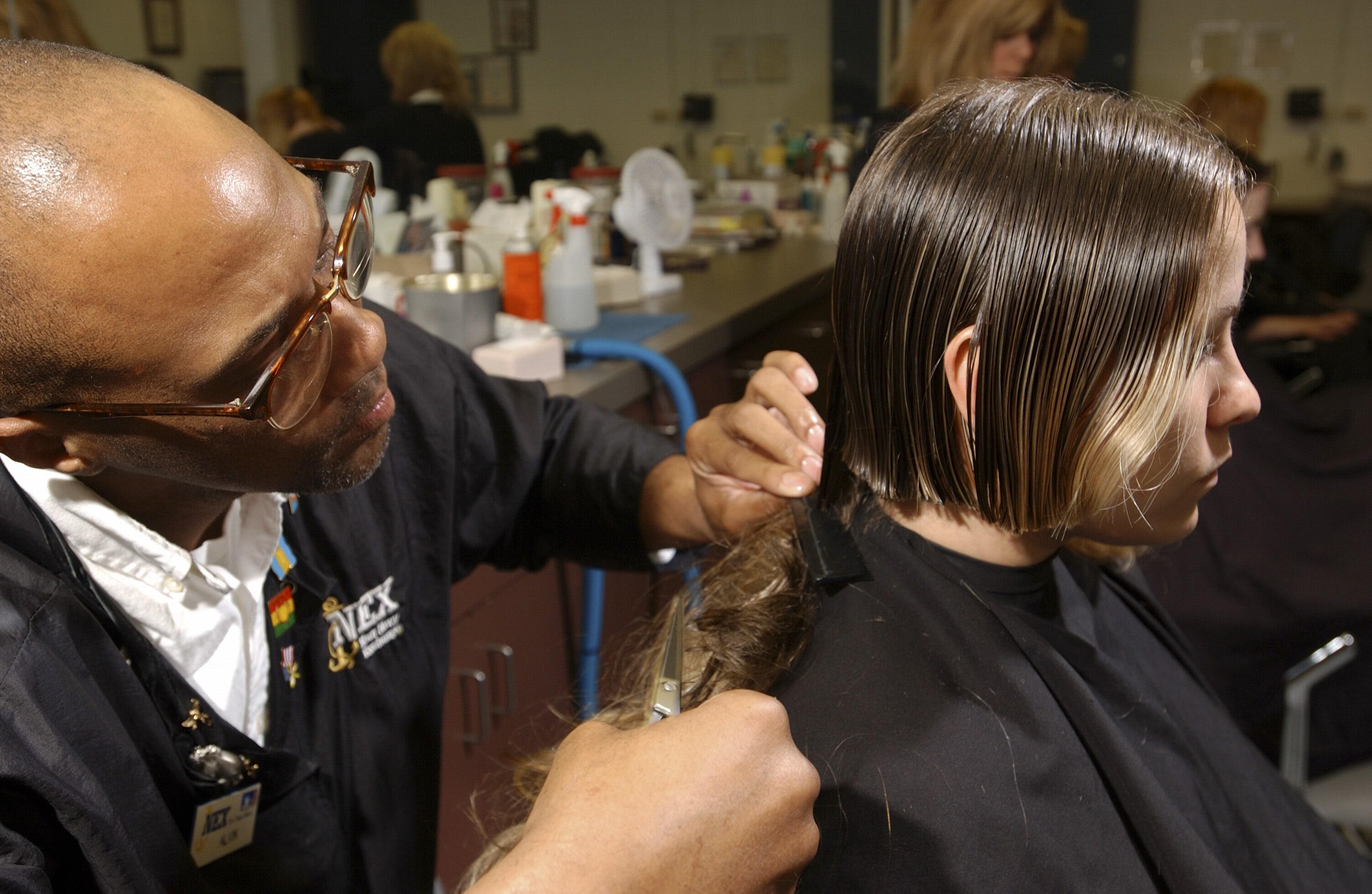 analisa usaha pangkas rambut pria