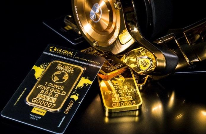 keuntungan tabungan emas pegadaian yang berbeda dengan tabungan biasa dengan uang tunai